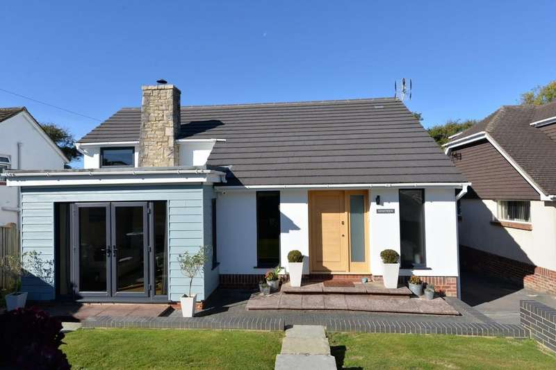 3 Bedrooms Detached House for sale in Farm Lane South, Barton On Sea, New Milton