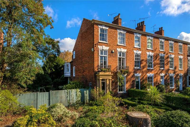 5 Bedrooms Town House for sale in London Road, Newark, NG24