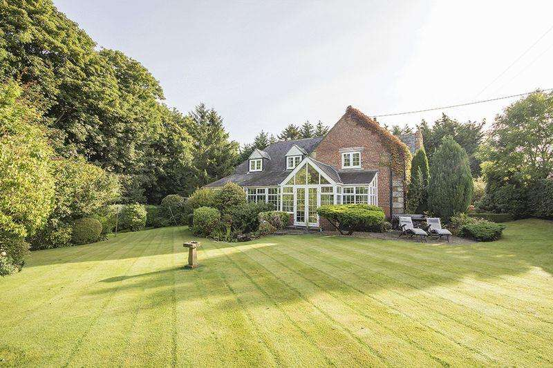 5 Bedrooms Detached House for sale in The Schoolhouse, Kirkley, Ponteland