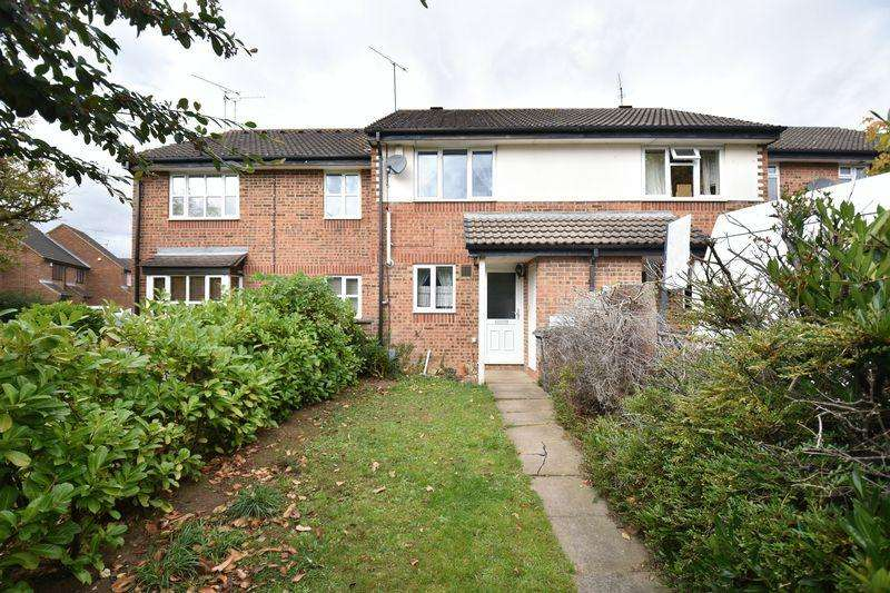 2 Bedrooms Terraced House for sale in Spayne Close, Luton
