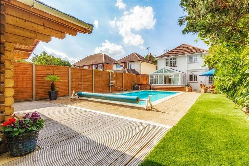 4 Bedrooms Detached House for sale in London Road, Datchet, Berkshire