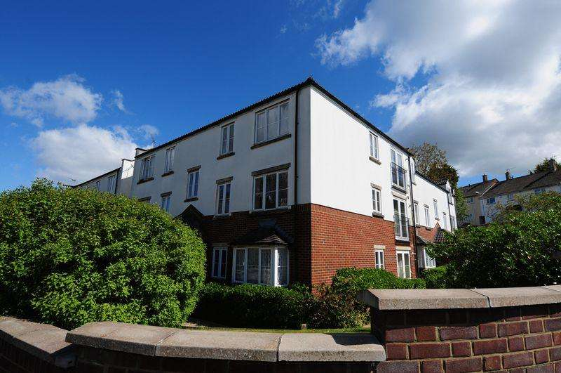 2 Bedrooms Apartment Flat for sale in Sturminster Lodge, Stockwood, Bristol, BS14