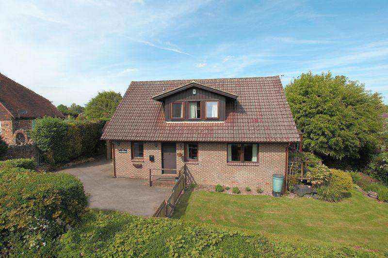 4 Bedrooms Detached House for sale in Crowborough Hill, Crowborough, East Sussex