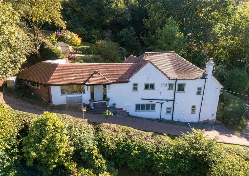 4 Bedrooms Detached House for sale in Clatterbach, Clent, Stourbridge