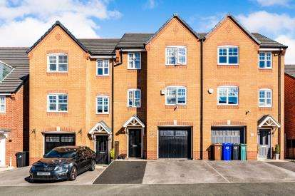 4 Bedrooms Terraced House for sale in Admiral Way, Hyde, Tameside, Greater Manchester