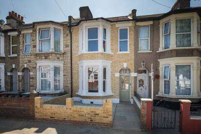 4 Bedrooms Terraced House for sale in Leyton, London, Uk