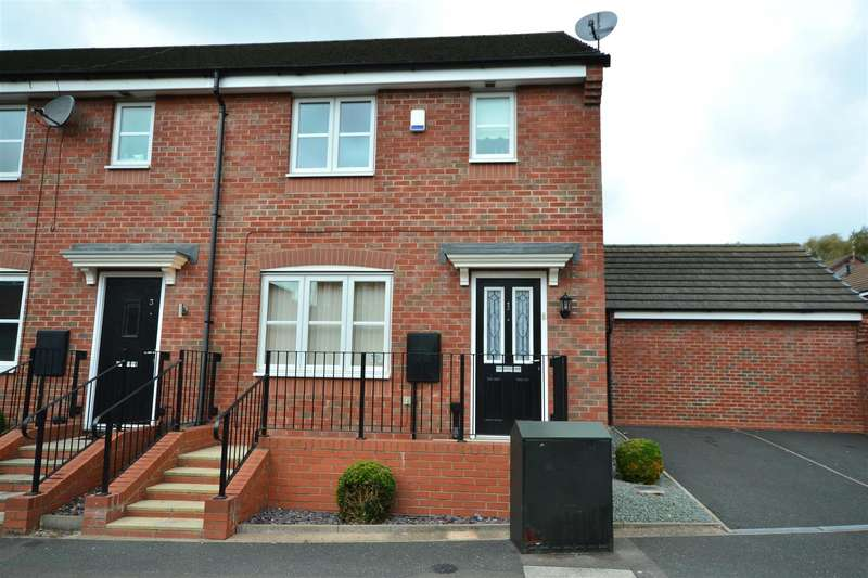3 Bedrooms Semi Detached House for sale in Disraeli St, Leicester