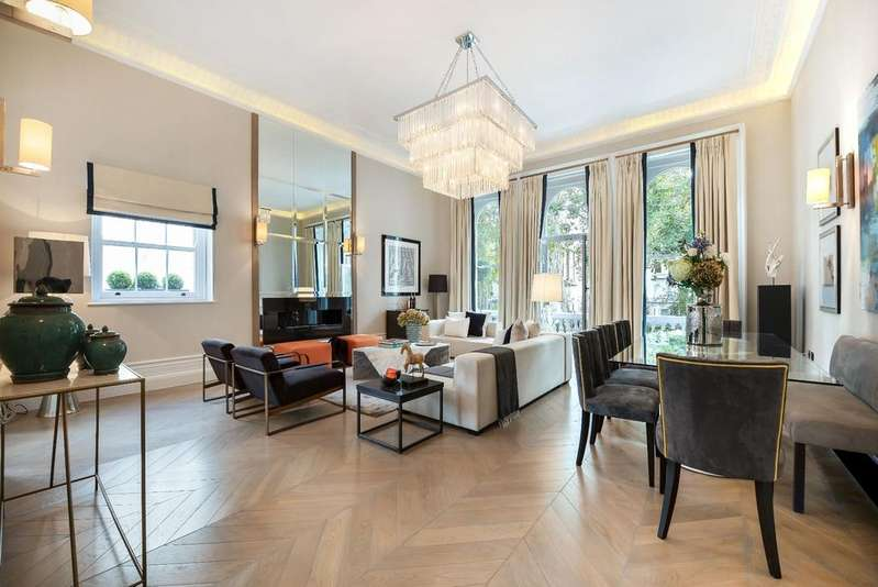 3 Bedrooms Maisonette Flat for sale in Cornwall Gardens, SW7