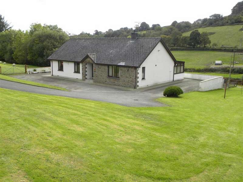 3 Bedrooms Farm Commercial for sale in Drefach, Llanybydder