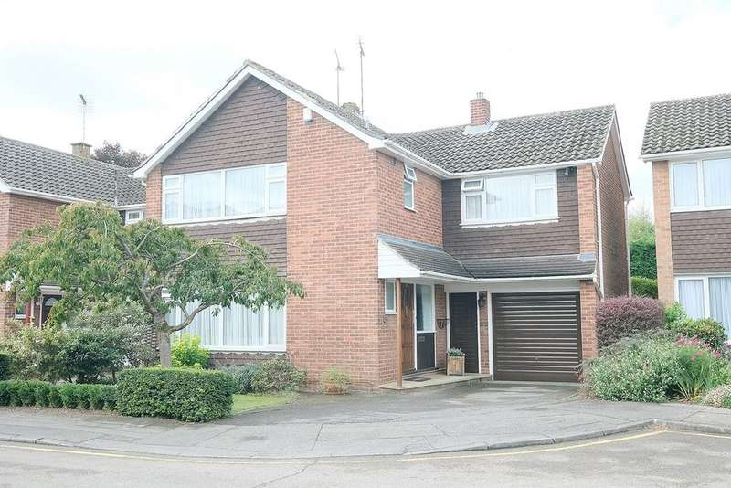 4 Bedrooms Detached House for sale in Llewellyn Close, Chelmsford, CM1