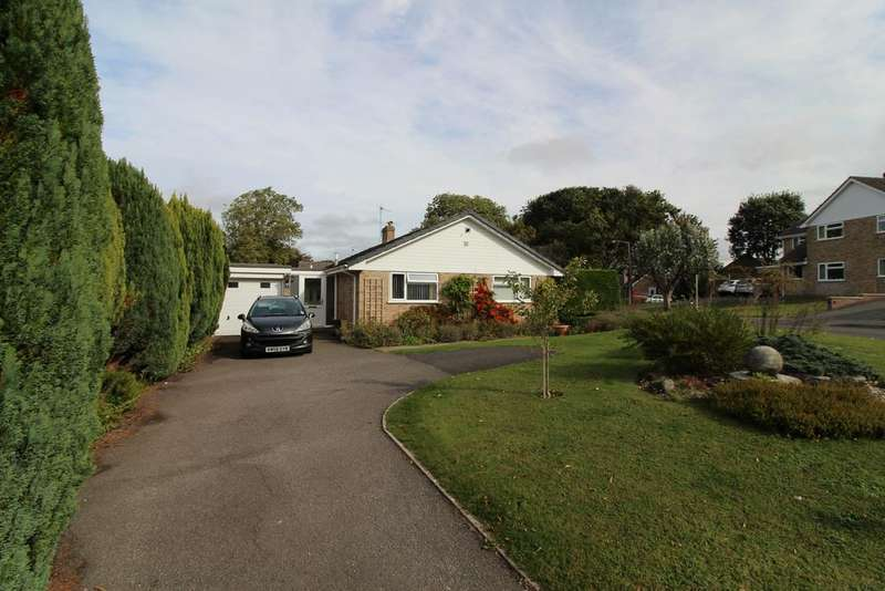 3 Bedrooms Detached Bungalow for sale in St Mary's Close, Winterborne Whitechurch DT11