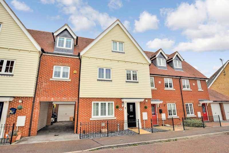 5 Bedrooms Town House for sale in Radvald Chase, Stanway, Colchester, CO3 0RF