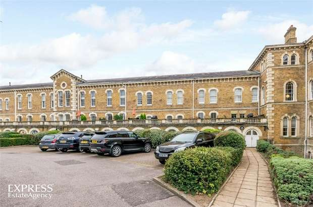 4 Bedrooms Flat for sale in Royal Drive, London