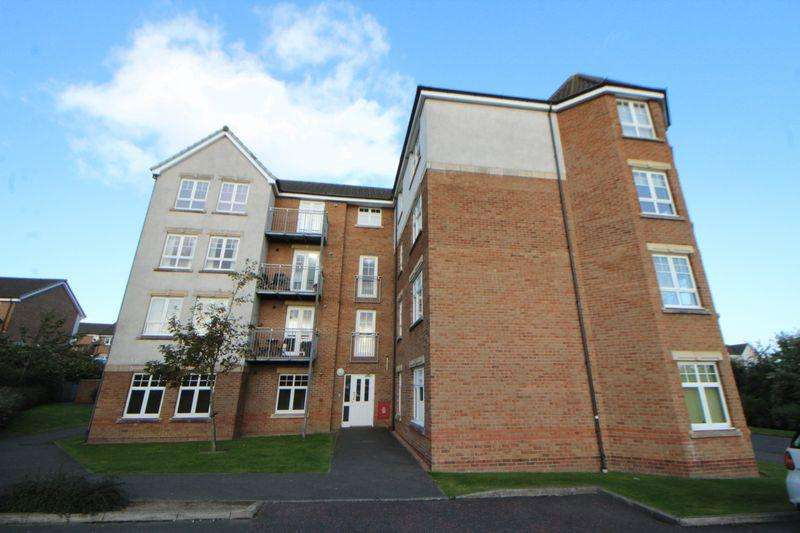 2 Bedrooms Flat for sale in Hutchison Way, Kirkcaldy