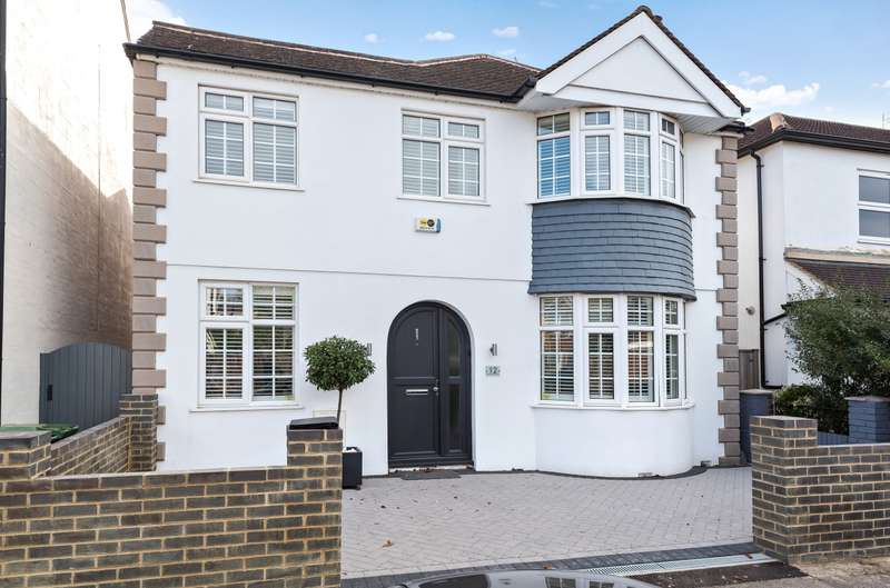 4 Bedrooms Detached House for sale in Chesterfield Road, Ashford, TW15