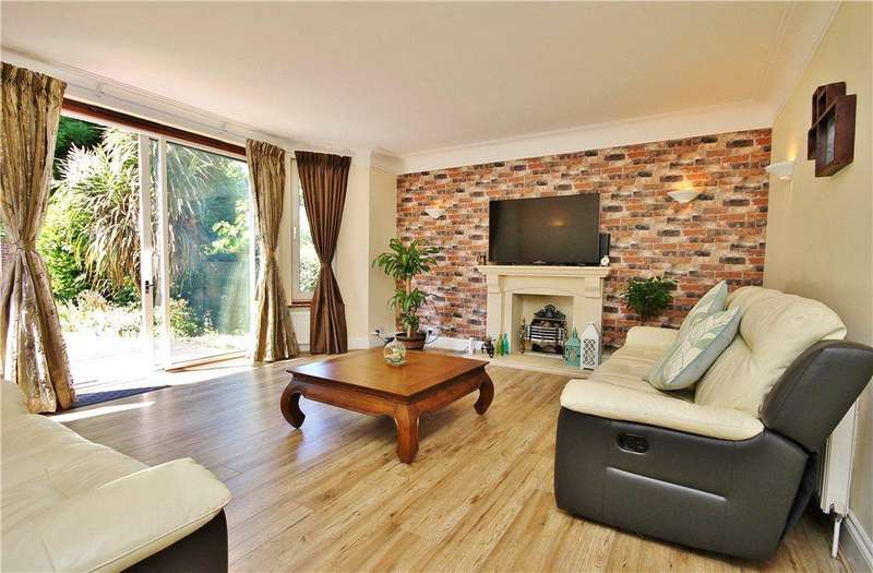 3 Bedrooms Ground Flat for sale in Princes Way, Southfields, London, SW19
