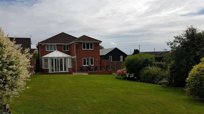 4 Bedrooms Detached House for sale in Monks Dyke Road, Louth