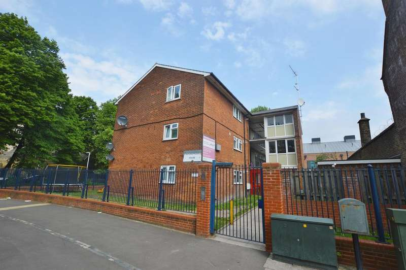 2 Bedrooms Ground Flat for sale in Stafford Morris House, Church Street, Stratford, London, E15 3JY