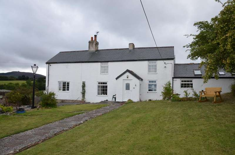 3 Bedrooms Detached House for sale in Ffordd Trelan, Cilcain CH7