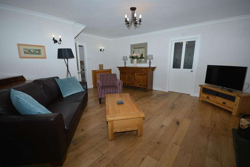 2 Bedrooms Terraced House for sale in Brown Street, Newmilns, KA16