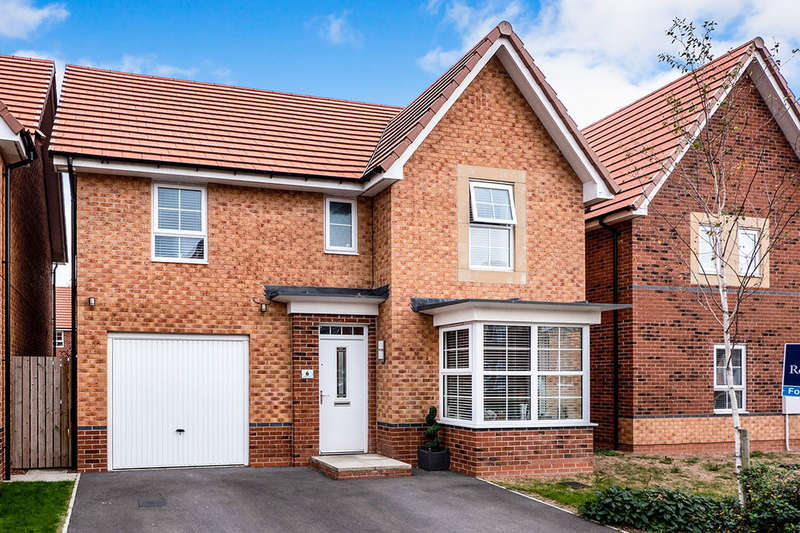 4 Bedrooms Detached House for sale in Simpson Avenue, Hull, HU8