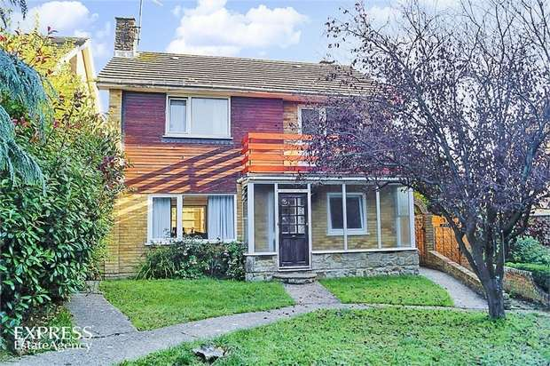 4 Bedrooms Detached House for sale in Ironlatch Avenue, St Leonards-on-Sea, East Sussex