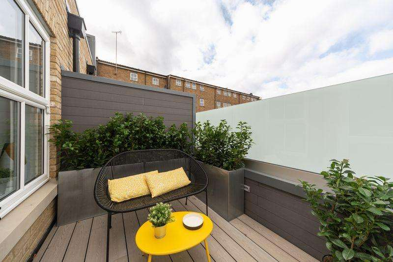 2 Bedrooms Apartment Flat for sale in Cadogan Close, London