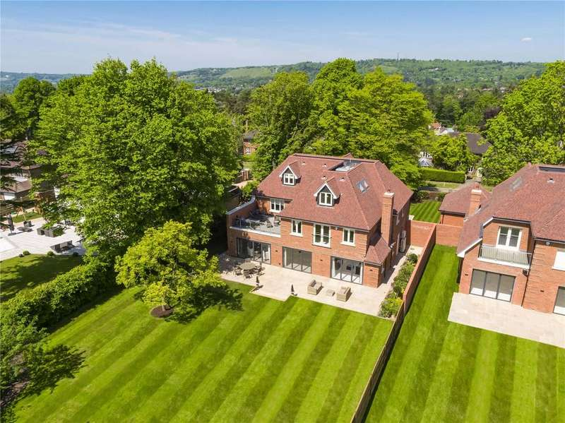 5 Bedrooms Detached House for sale in High Trees Road, Reigate, Surrey, RH2