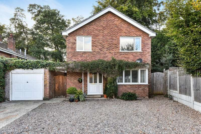 4 Bedrooms Detached House for sale in Beechtree Avenue, Marlow Bottom