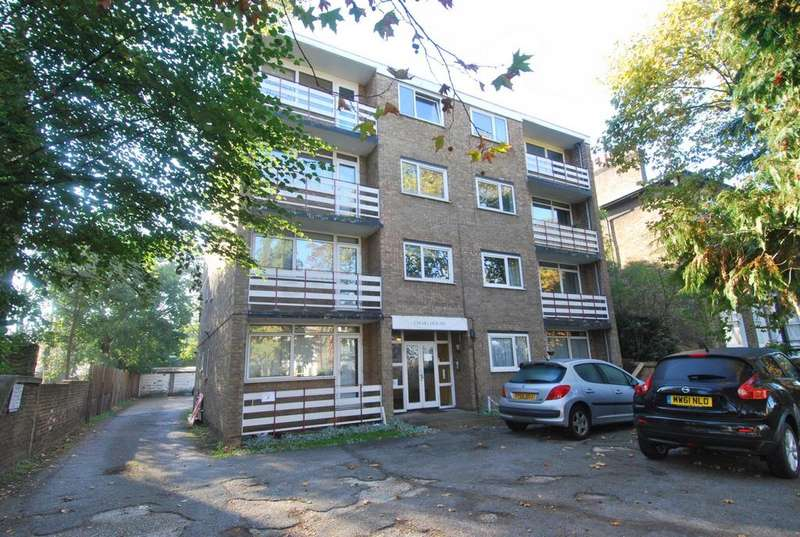 2 Bedrooms Flat for sale in Craig House, Charlton Road, Blackheath, SE3
