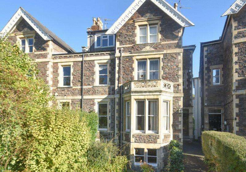3 Bedrooms Apartment Flat for sale in Eaton Crescent, Clifton