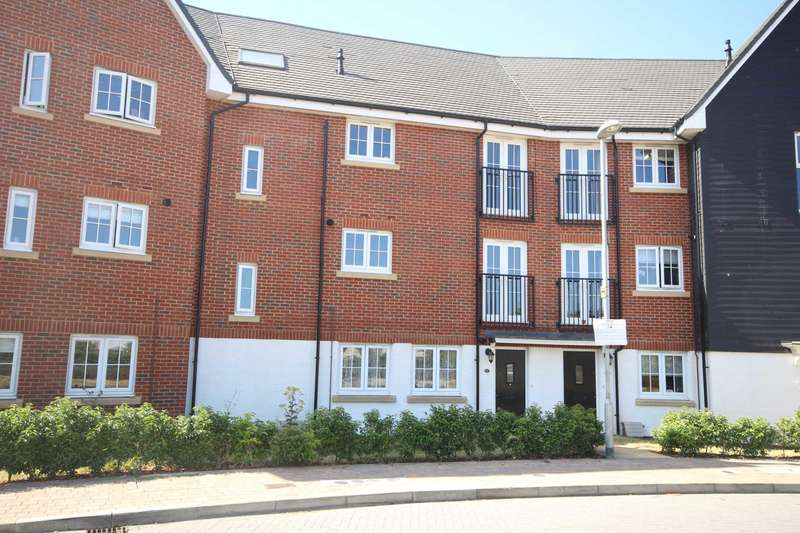 2 Bedrooms Apartment Flat for sale in Fulmar Crescent, Jennetts Park