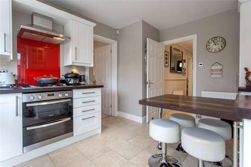 4 Bedrooms Detached House for sale in East Park Farm Drive, Charvil, Berkshire, RG10