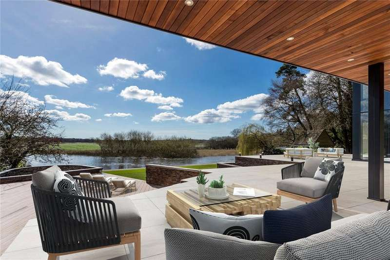 5 Bedrooms Detached House for sale in The Dell, 14 Windmill Lane, Ringwood, Hampshire, BH24