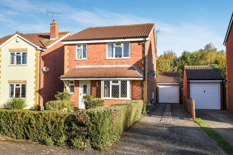 4 Bedrooms Detached House for sale in Lincoln Close, Flitwick, MK45