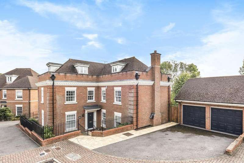 5 Bedrooms Detached House for sale in Dickenswood Close, Upper Norwood