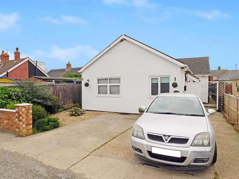 3 Bedrooms Bungalow for sale in George Street, Mablethorpe, LN12 2BJ