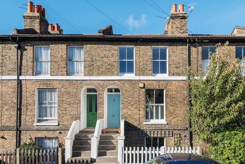 2 Bedrooms Terraced House for sale in Lizban Street, Blackheath