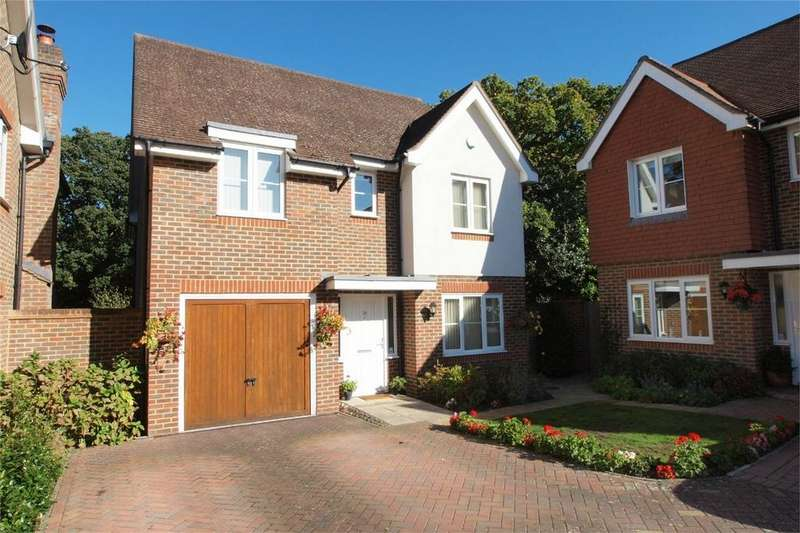 4 Bedrooms Detached House for sale in Cheyne Park Drive, West Wickham, Kent