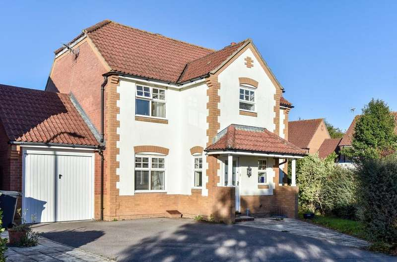4 Bedrooms Detached House for sale in Snowberry Crescent, Denvilles, PO9