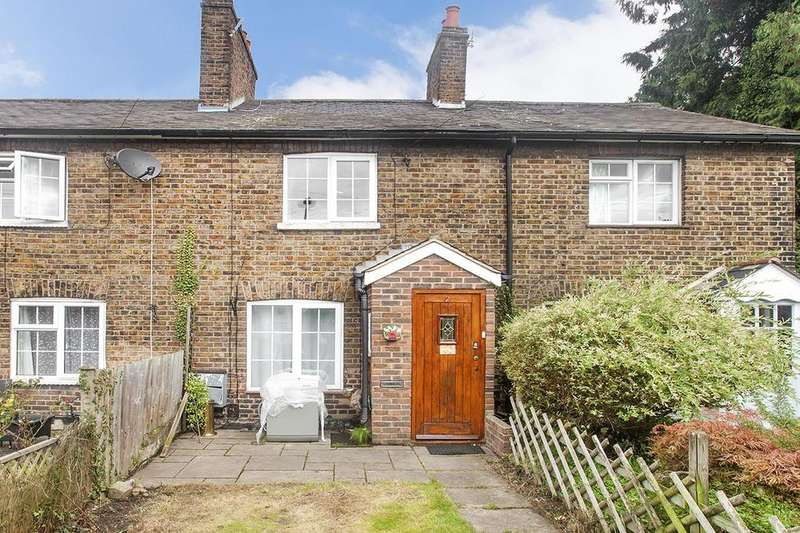 2 Bedrooms House for sale in Burroughs Gardens, NW4