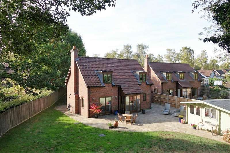 4 Bedrooms Detached House for sale in Hervey Road, Bury St. Edmunds