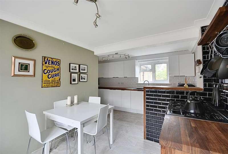 3 Bedrooms Terraced House for sale in Mountjoy, Battle