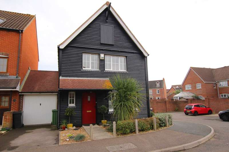 3 Bedrooms Detached House for sale in Canary Quay, Eastbourne, BN23 5UT