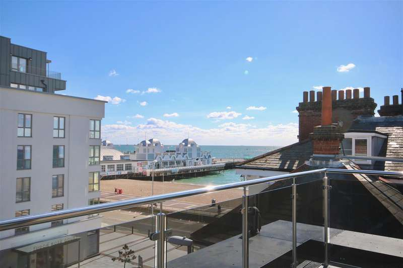 3 Bedrooms Penthouse Flat for sale in 138 Clarendon Road, Southsea