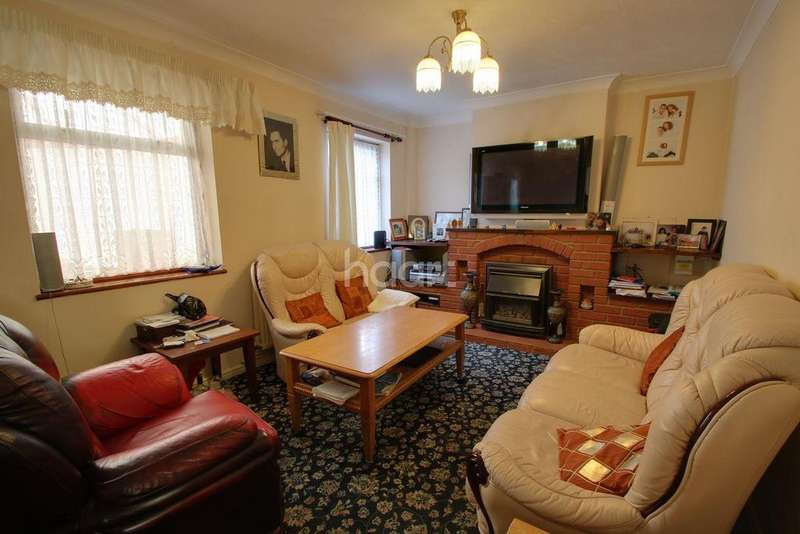 3 Bedrooms Semi Detached House for sale in Hawthorne Crescent