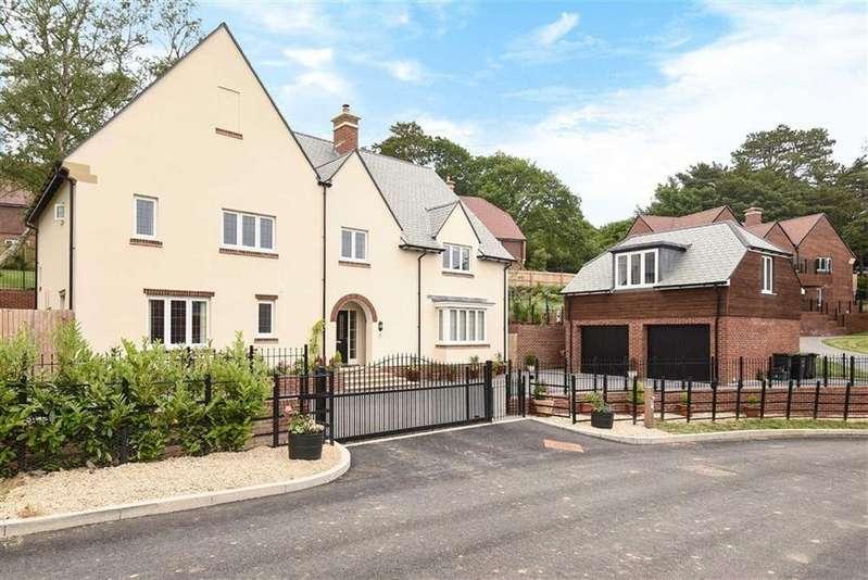 4 Bedrooms Detached House for sale in Barfleur Rise, Lyme Regis, Dorset, DT7