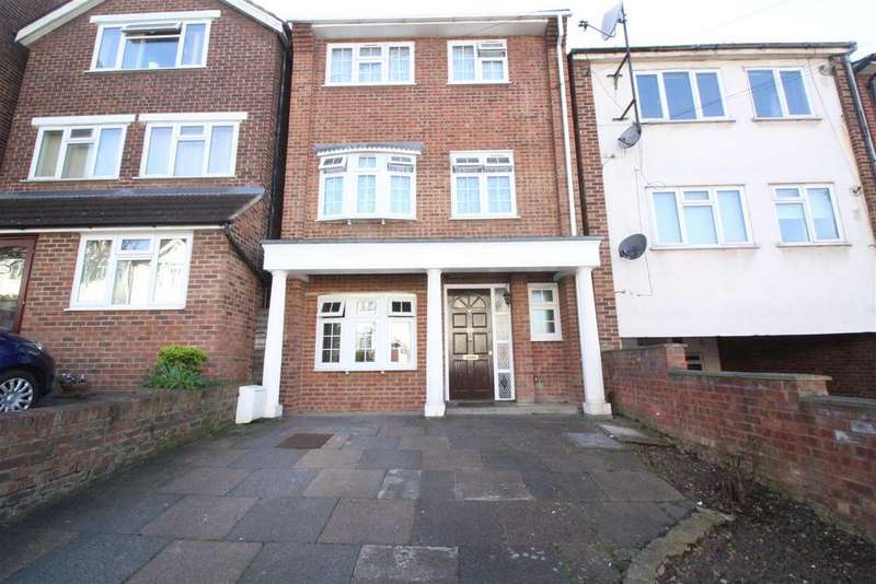 5 Bedrooms Detached House for sale in Hurst Road, Walthamstow, London