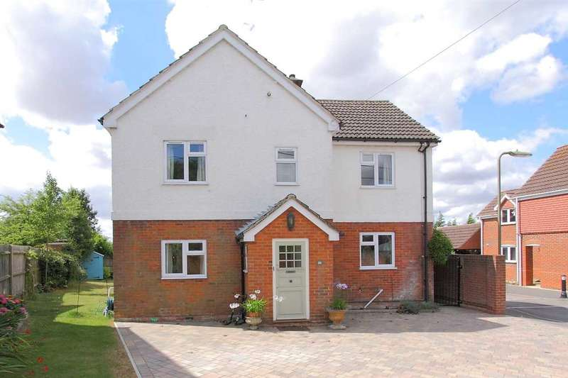 5 Bedrooms Detached House for sale in Micheldever Road, Whitchurch