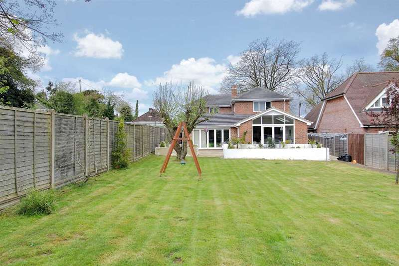 4 Bedrooms Detached House for sale in Stunning Architect Designed Home in Oakley